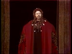 Η Κλυταιμήστρα στην παράσταση του Κάρολου Κουν