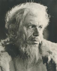 """Ο Γιώργος Τζόγιας ως Παιδαγωγός στην """"Ηλέκτρα"""" του Σπύρου Ευαγγελάτου (Εθνικό Θέατρο 1972)"""