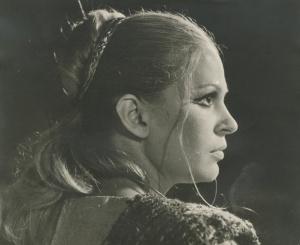 Εθνικό Θέατρο 1972 (Σκην. Σ. Ευαγγελάτος). Η Λιάσκου ως Χρυσόθεμις